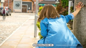 Kylie dies on Coronation Street 15 July 2016