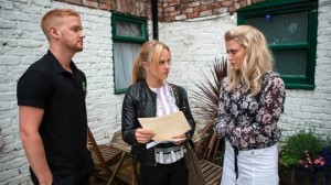 Gary, Sarah and Bethany discuss exam results - Coronation Street Friday 26 August 2016