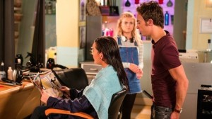 david-gives-lauren-a-haircut-in-the-salon-coronation-street-friday-9-september-2016