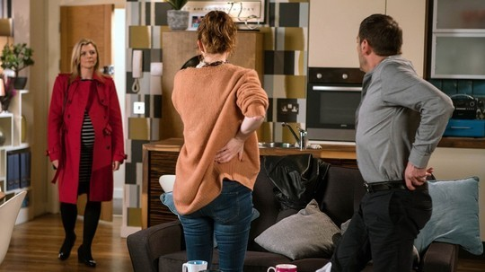 leanne-toyah-and-peter-coronation-street