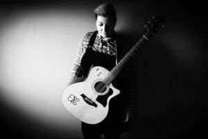 Emma_Hynes_Musician